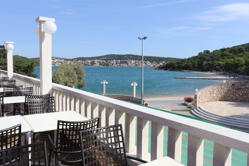 Kemp Jezera Village, mobilní domy - Dalmácie